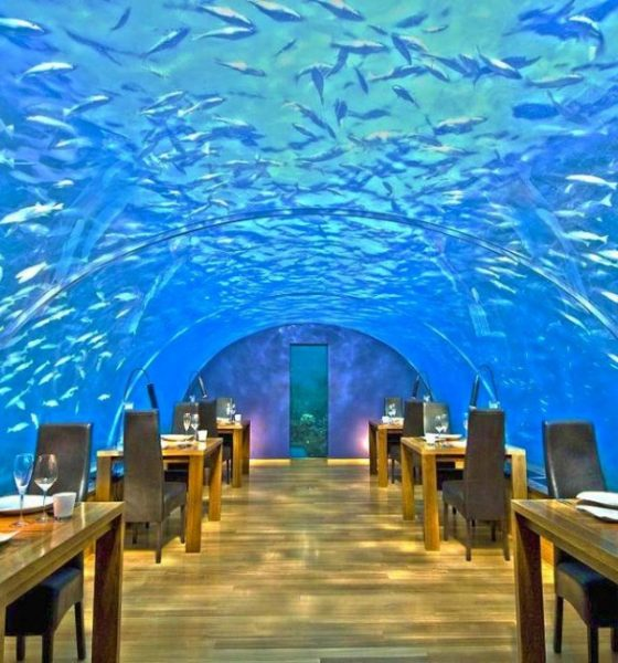 Una cena romantica mangiando sott'acqua
