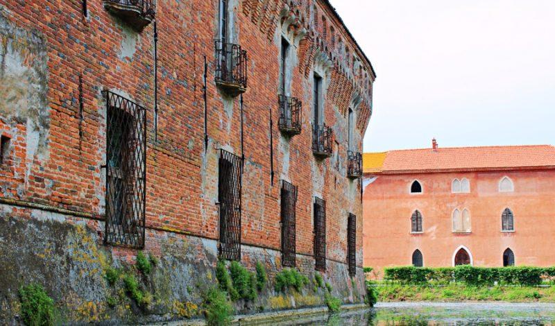 Castello di Padernello e la leggenda della Dama Bianca