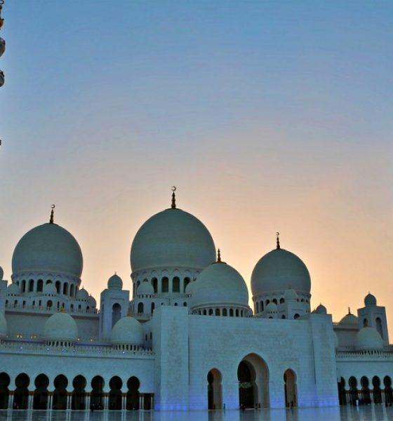 Abu Dhabi cosa vedere 10 motivi per visitarla